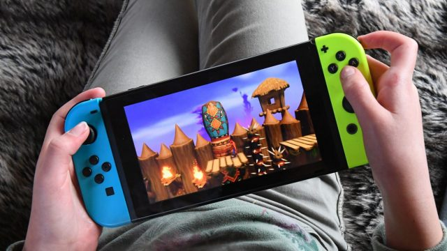 Nintendo Switch im Handheld-Modus.