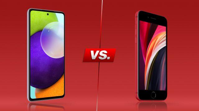 Galaxy A52 und iPhone SE von vorne nebeneinander (roter Hintergrund)
