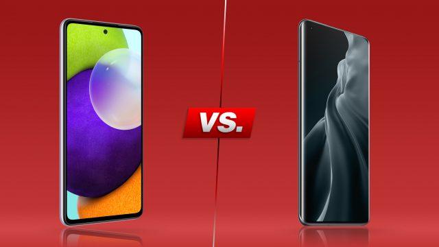 Galaxy A52 und Xiaomi Mi 11 von vorne nebeneinander (roter Hintergrund)