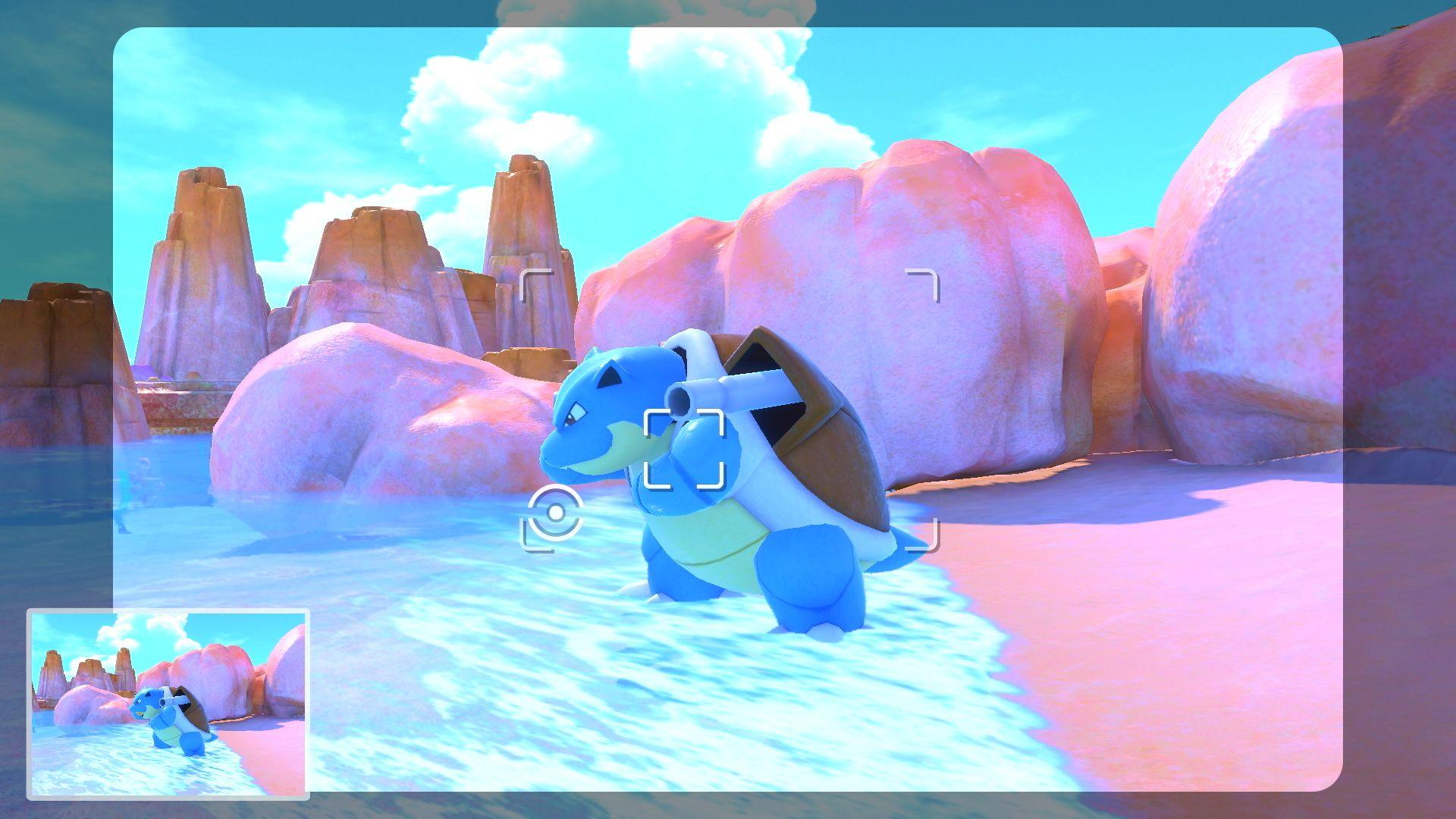"""Ein Turtok hält sich an der Meeresküste auf, die Kamearalinse in """"New Pokémon Snap"""" erfasst es dabei."""