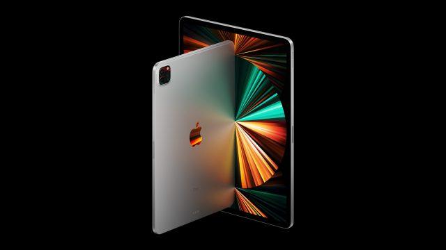 Das iPad Pro (2021) vor schwarzem Hintergrund