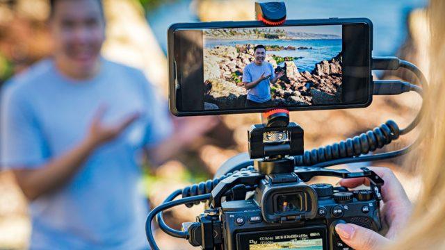 Sony Xperia Pro als zweiter Bildschirm auf einer Spiegelreflexkamera