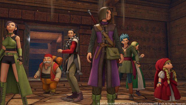 """Der Held aus dem Spiel """"Dragon Quest XII"""" und seine Kumpanen stehen in einer Kammer."""