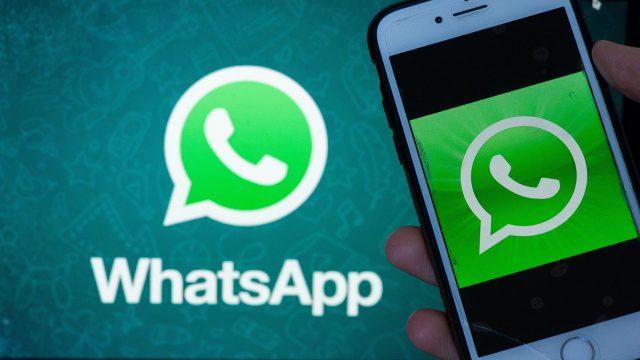 WhatsApp-Symbol auf einem Smartphone