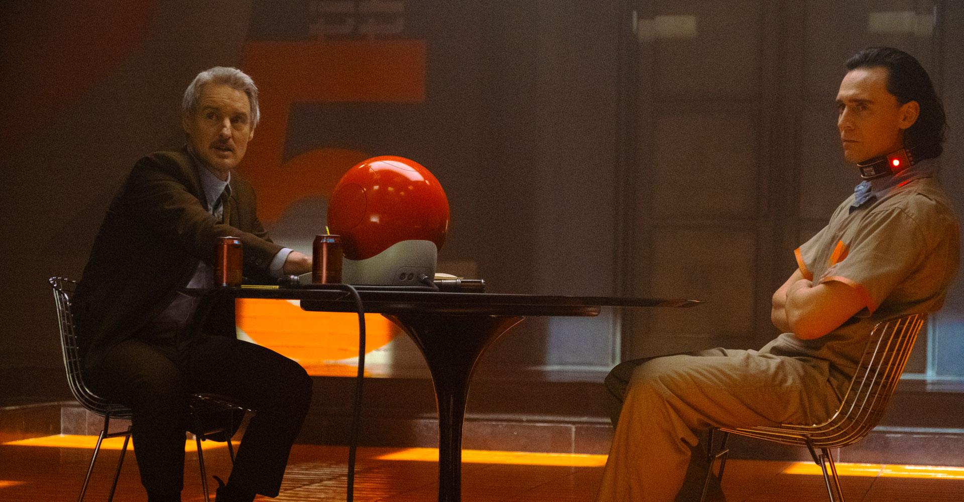 Tom Hiddleston und Owen Wilson in Loki