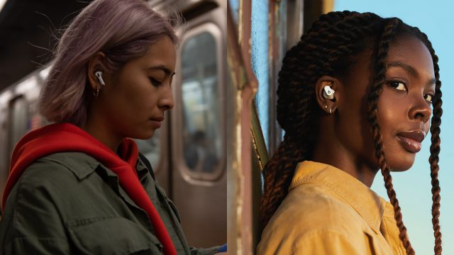Links die Apple AirPods Pro, rechts die Beats Studio Buds