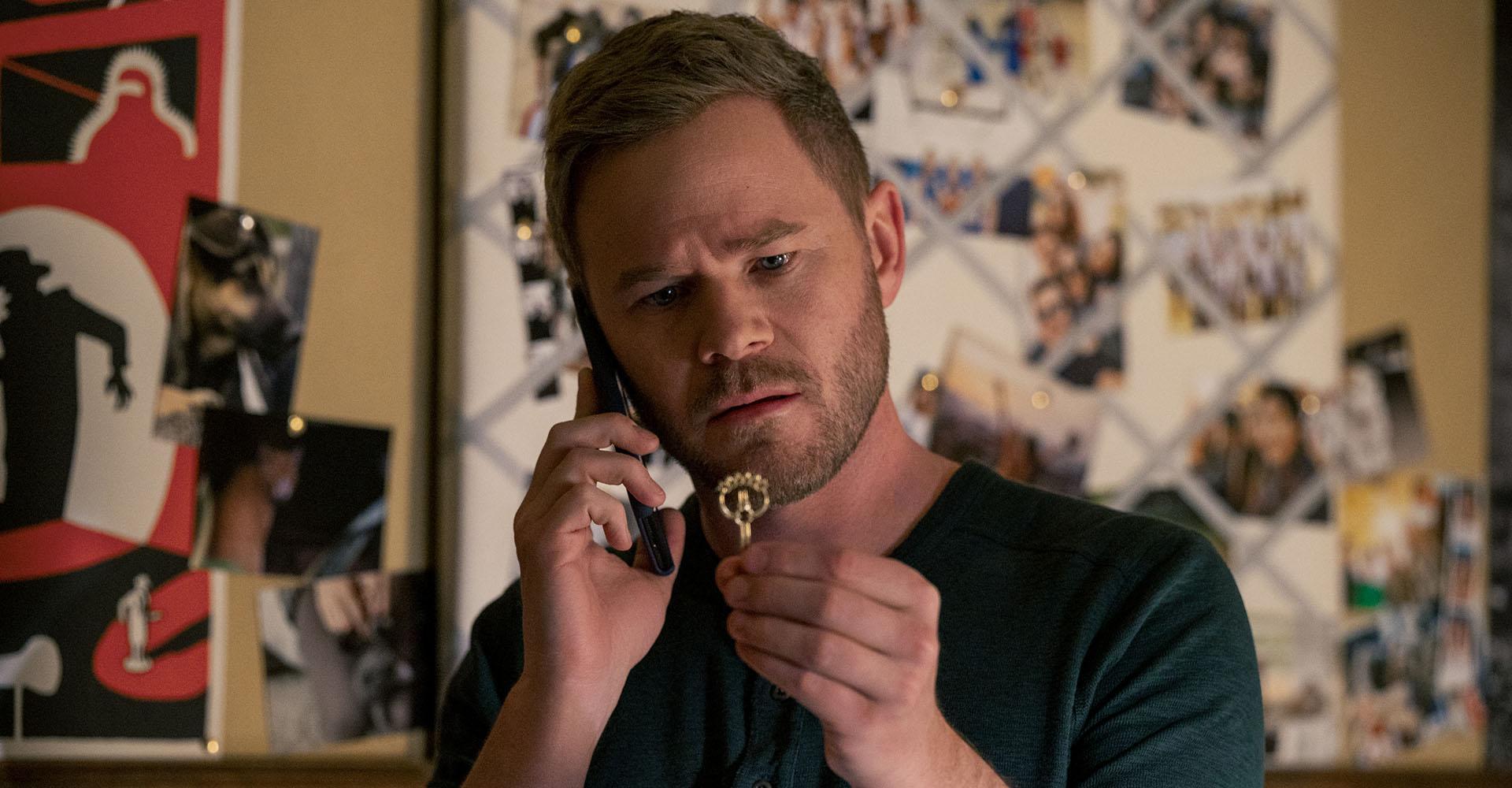 Aaron Ashmore als Onkel Duncan Locke in Locke & Key Staffel 2