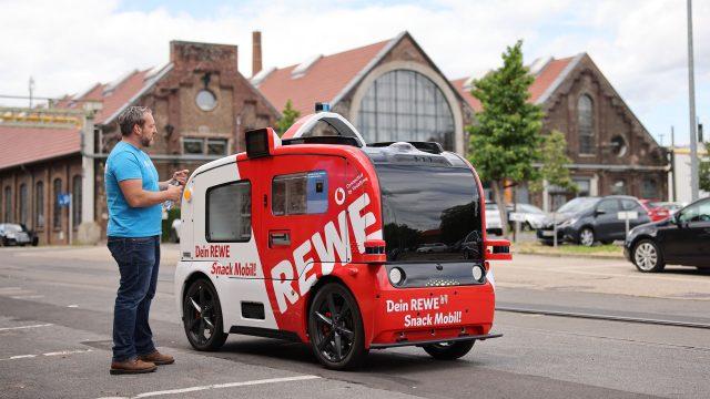 Rewe und Vodafone Snack Mobil in Köln