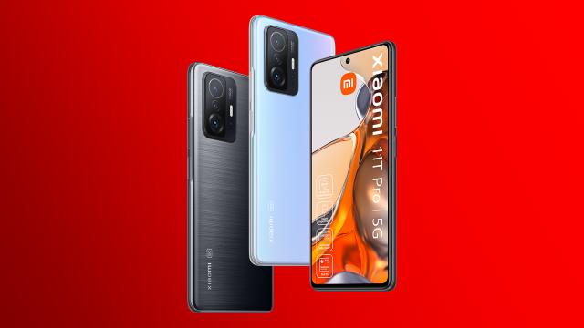 Das neue Xiaomi 11T Pro in Meteorite Gray und Celestial Blue von vorne und hinten.