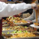 تناول الطعام في بوفيه مفتوح خطر على حياتك   اعرف الأسباب
