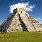 """عجائب الدنيا السبع الحديثة.. """"المسيح الفادي"""" ومساجد الهند وأهرامات المكسيك"""