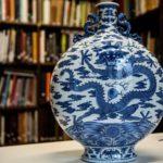 بيع إناء صيني قديم في فرنسا بـ68 مليون جنيه