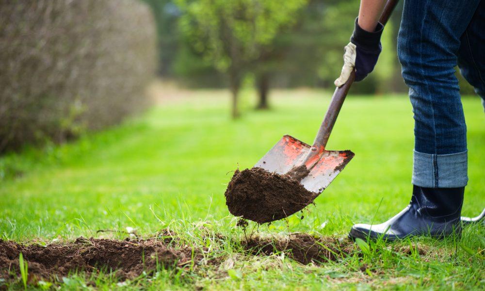 Ska du gräva på din tomt? Glöm inte att boka ledningsanvisning