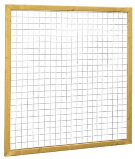 Betonijzertrellis met maas 7,5 x 7,5 cm, in grenen raamwerk 4,4 x 6,8 cm, 180 x 180 cm.