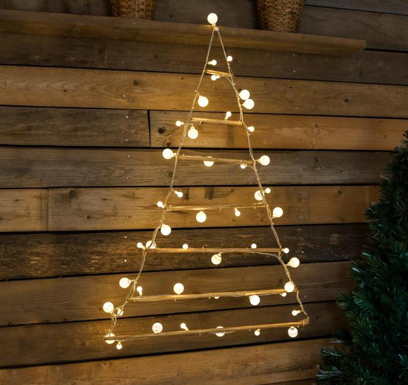 https://s3-eu-central-1.amazonaws.com/woonhome/2017/11/woonhome-originele-unieke-kerstbomen-kerst-boom-interieur-trendy-lampjes-verlichting-kerstlampjes-kerstverlichting-kerstpiramide-kerstboom.jpg