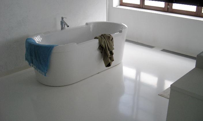 Badkamer Met Gietvloer : Stijlvolle gietvloeren in de badkamer u woonhome woonhome