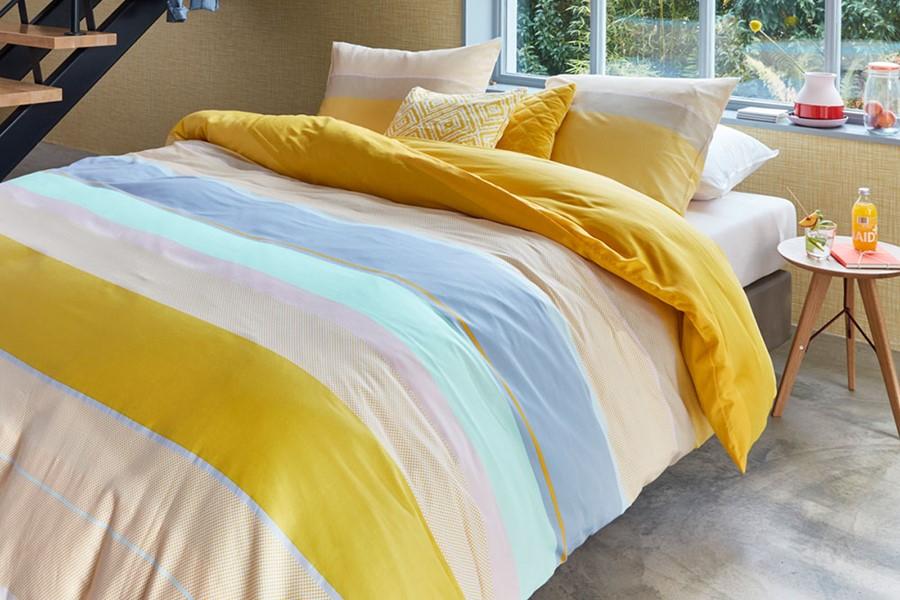 Super gaaf! Felle vintage kleuren zoals geel en blauw in je dekbedovertrek.