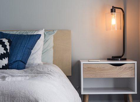 Lamp Slaapkamer Nachtkastje : Verlichting in de slaapkamer u woonhome woonhome