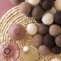 Brown - 20 cottonballs