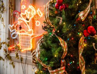 Kerstversiering in huis
