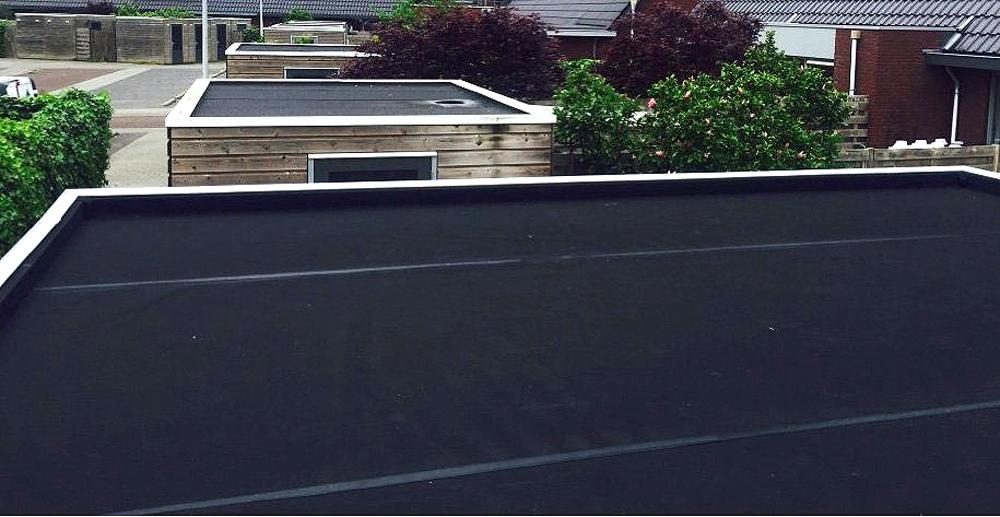 Zelf je nieuwe dakbedekking plaatsen is ook eenvoudig zelf te doen op je schuur.