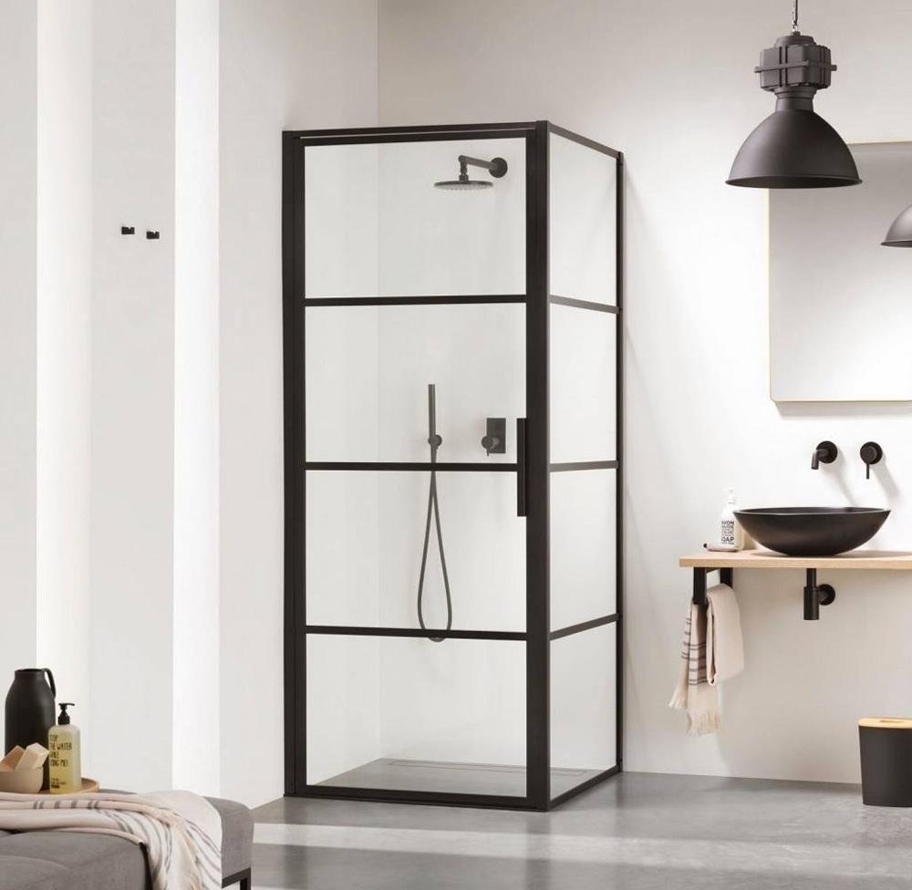 SOHO douchewand en deur met zwart frame van Sealskin.