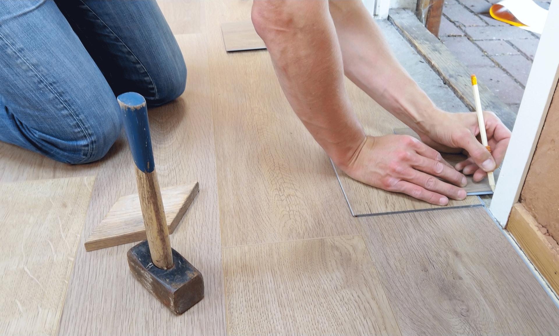 Is het leggen van vloeren niet jouw ding? Laat een vloerenspecialist dit doen!