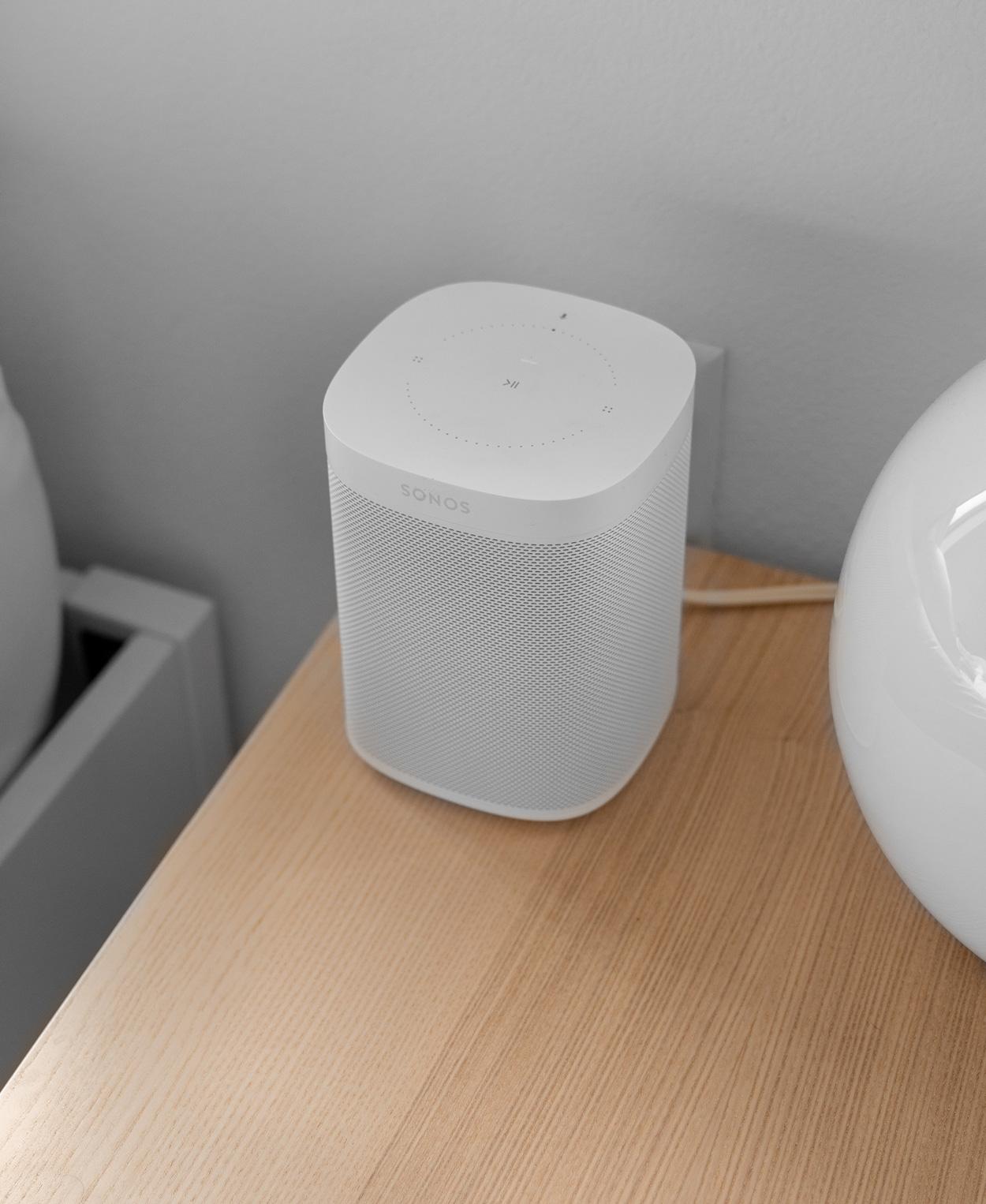 Via een smart home systeem, bedien je je lampen via je stem.