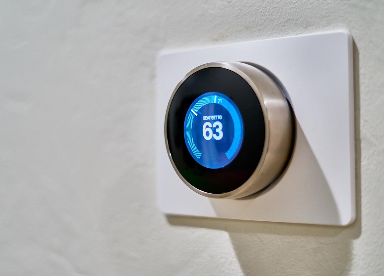 Met een slimme thermostaat bedoen je de verwarming in huis. Dit is in veel gevallen zelfs veel energiezuiniger.