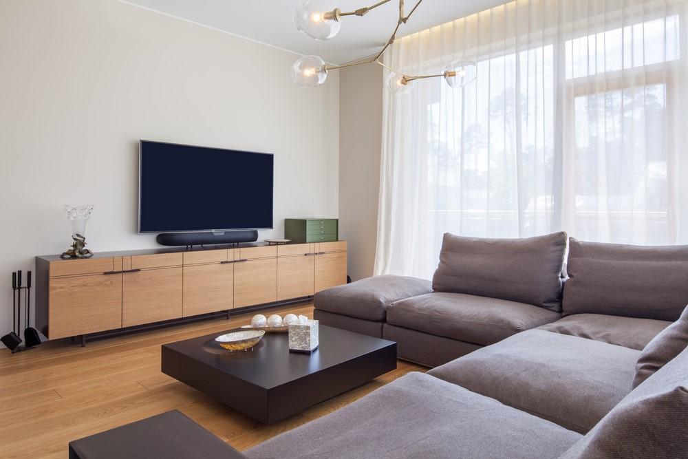 Een comfortabele bank of stoel is essentieel voor een goede tv hoek
