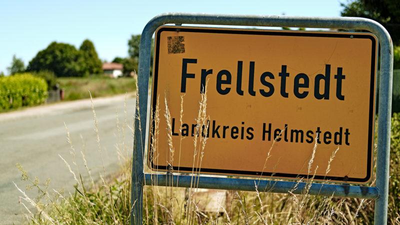 Frellstedt - Ortseingangsschild