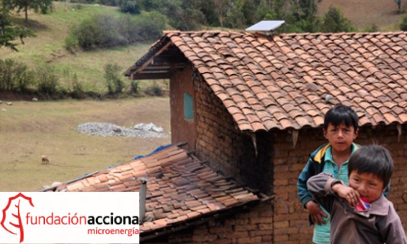 Foto AccionaMicroenergia conlogo