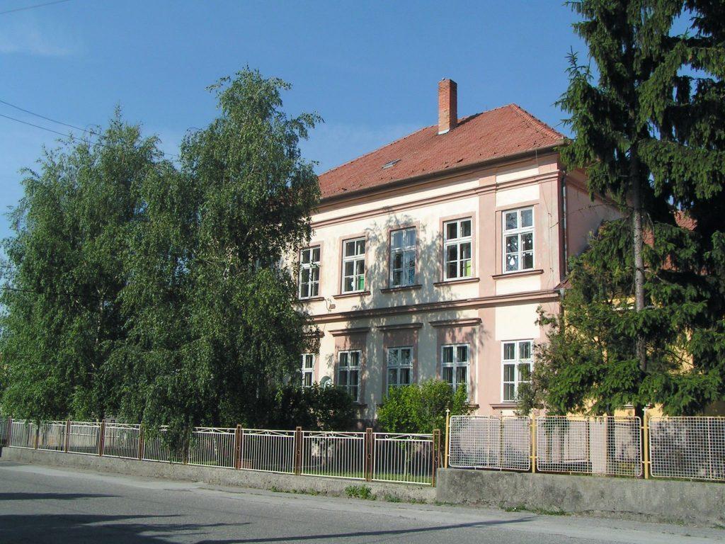 A Zárda iskola épülete