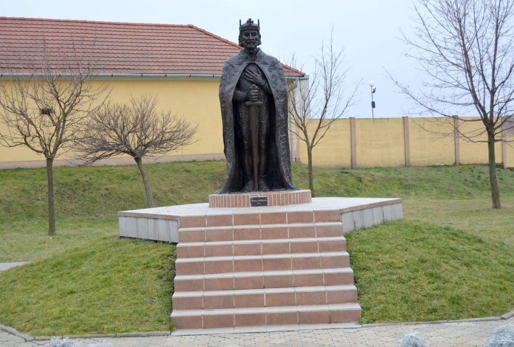 tardoskedd-szent-istvan-szobor (2)