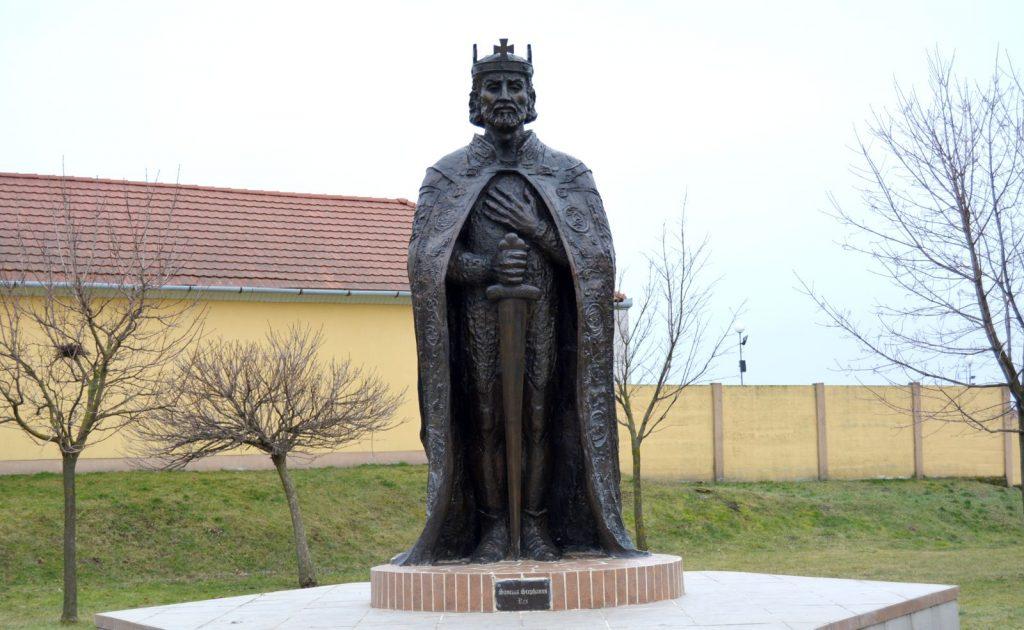 tardoskedd-szent-istvan-szobor (4)