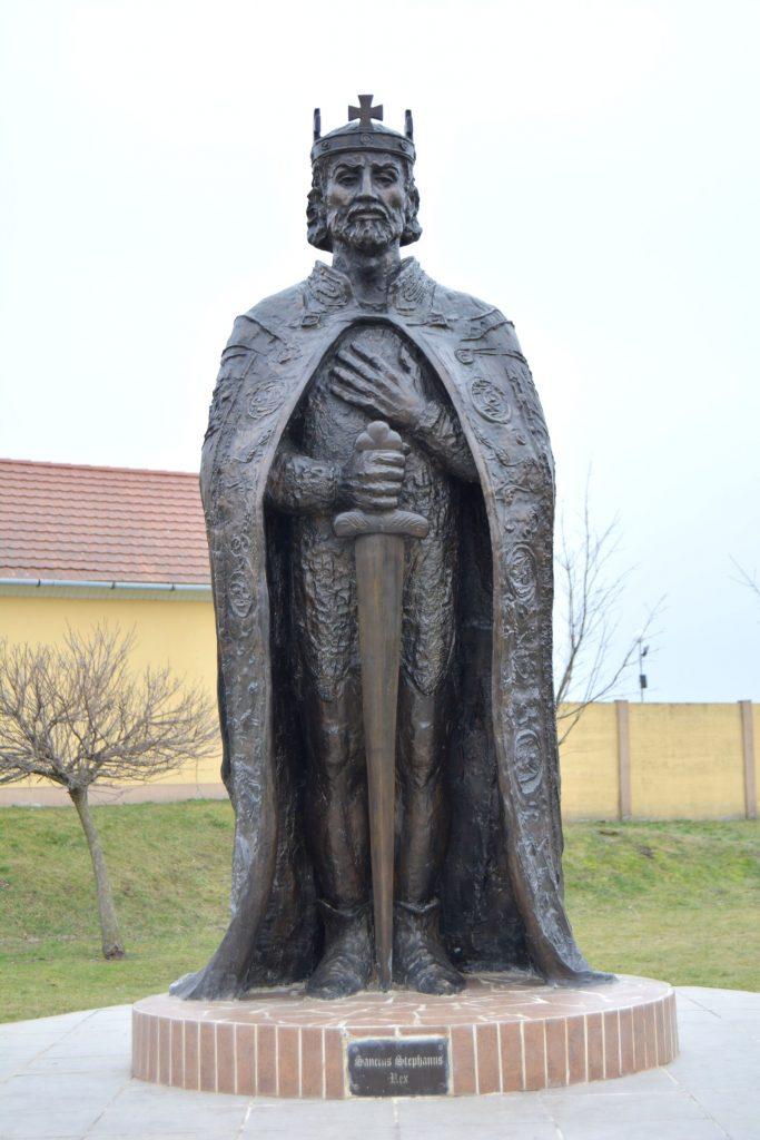 tardoskedd-szent-istvan-szobor (5)