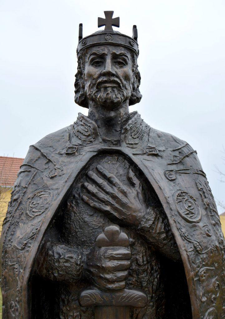 tardoskedd-szent-istvan-szobor (7)