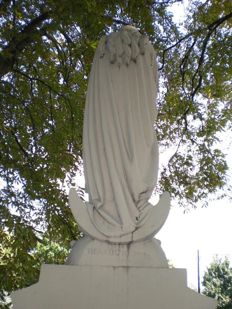 Az Immaculata (Szűz Mária)-szobor