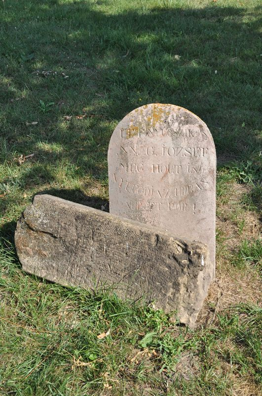 A hegyétei temető legöregebb sírjele