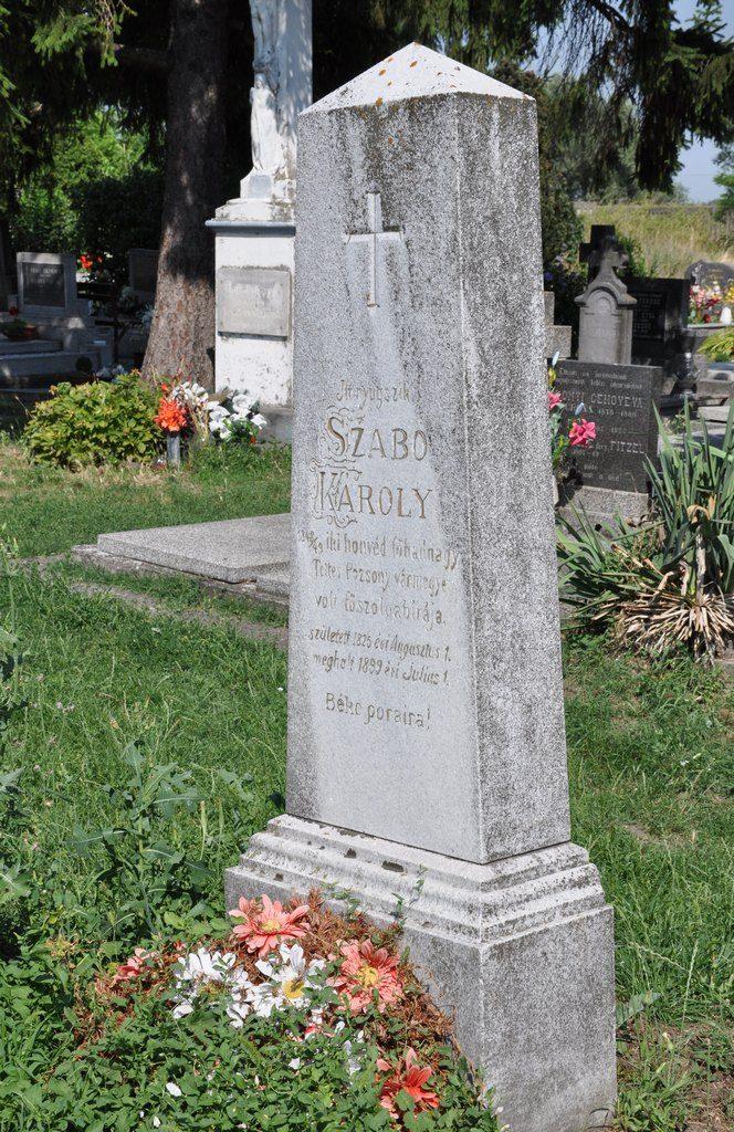 Szabó Károly 1848/49-es honvéd főhadnagy és Pozsony vármegye főszolgabírájának sírja