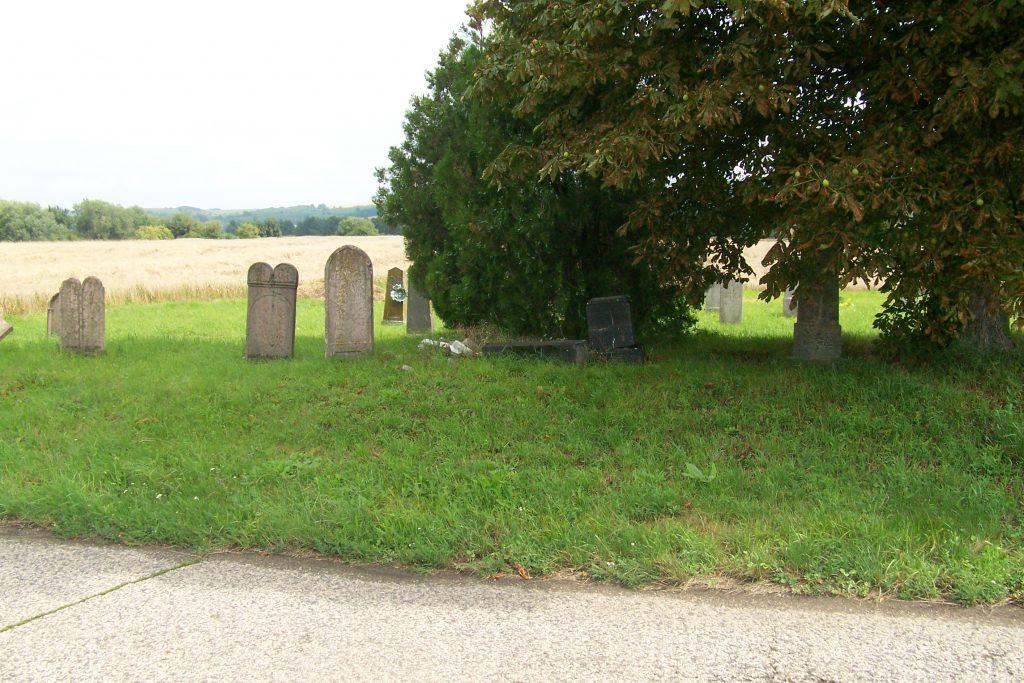 A régi nagypeszeki temető