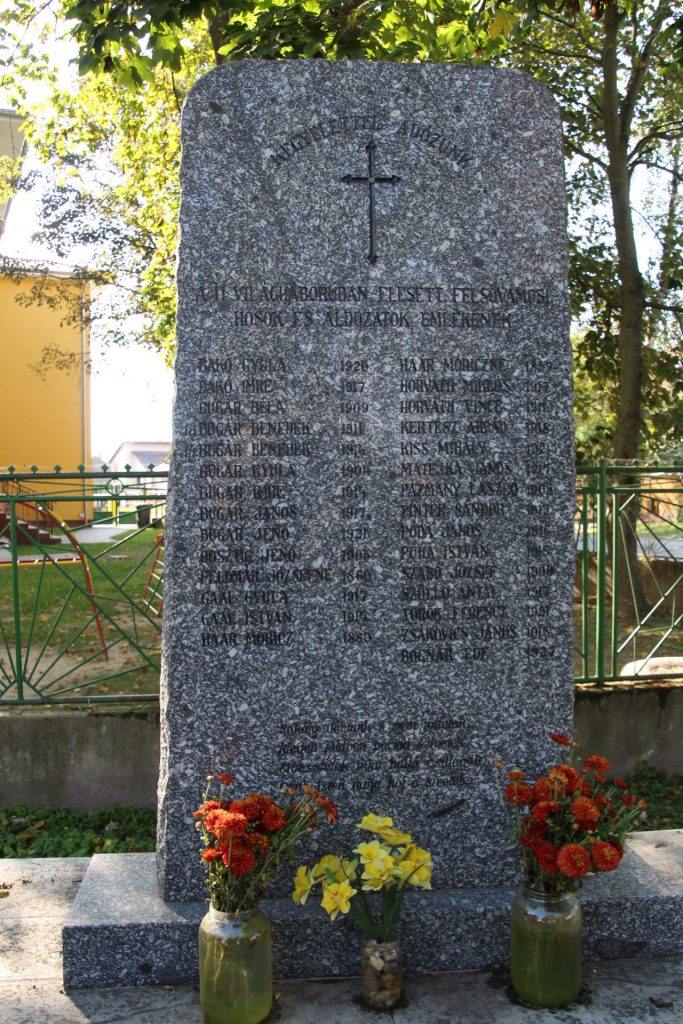 A 2. világháború hőseinek emlékműve