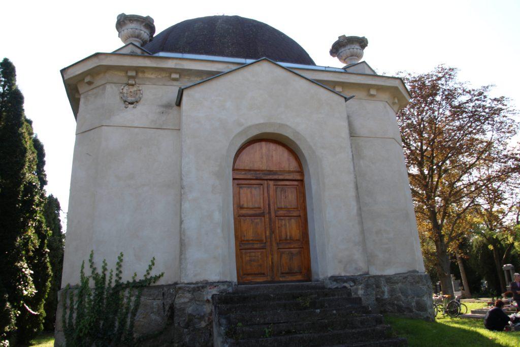 A Benyovszkyak sírboltja, mauzóleuma