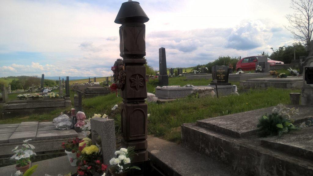 Agócs Béla tanító sírja