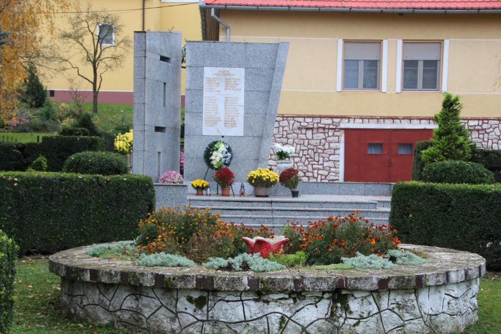 Az 1. és 2. világháborúban elesettek emlékműve
