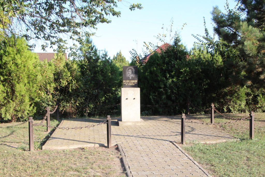 Petőfi emlékhely Királyfiakarcsán