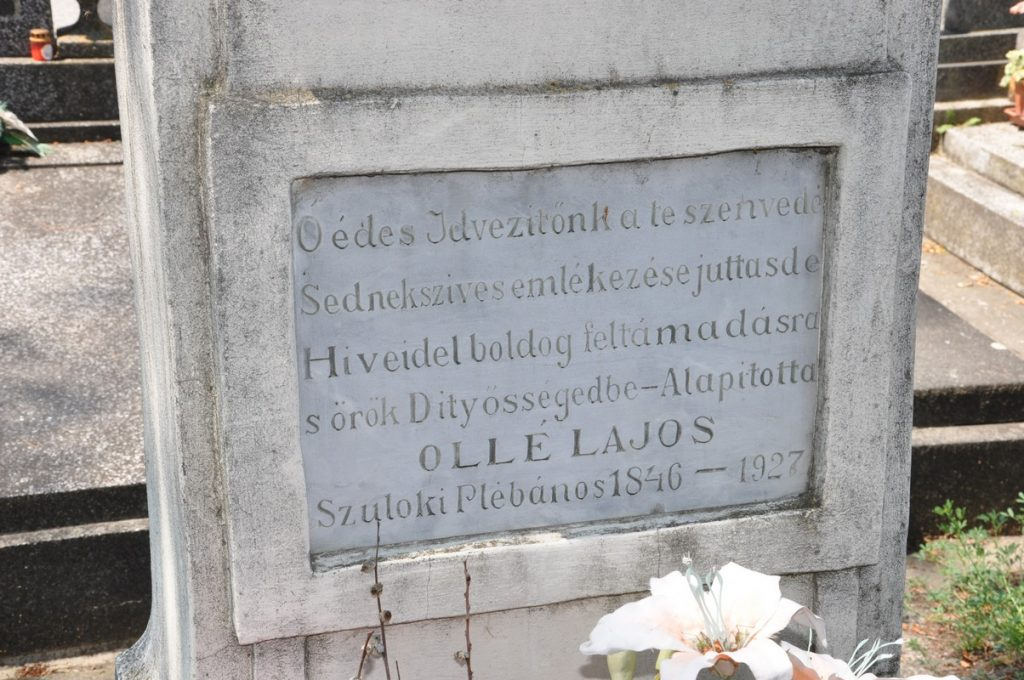 Az ollétejedi temető nagykeresztje