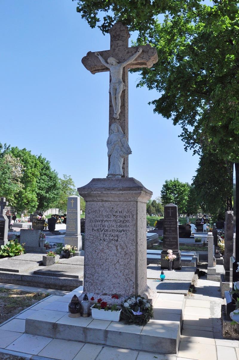 A deáki temető nagykeresztje