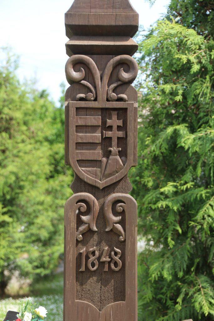 Kopjafa az 1848-as szabadságharc és a Csemadok újjáalakulásának tiszteletére
