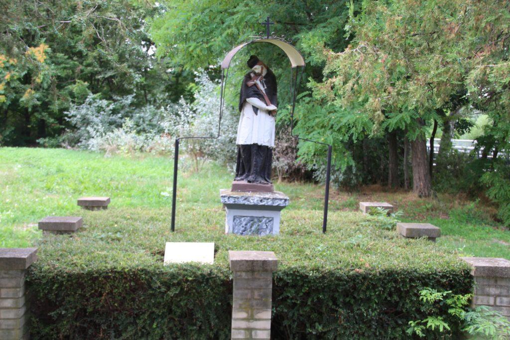 vezekeny-nepomuki-szent-janos-szobor (1)